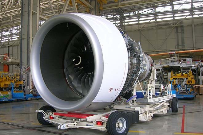 Rolls-Royce wins largest ever order from Emirates; CEO John Rishton to retire