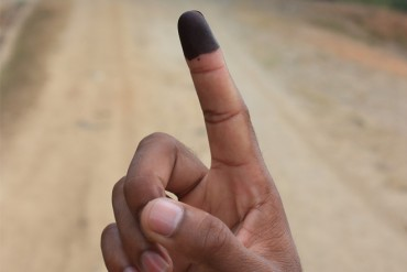Sri Lanka's business chamber calls for early election, says overseas business community is concerned