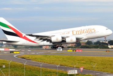 Emirates airlines Dubai bound flight makes emergency landing in Sri Lanka