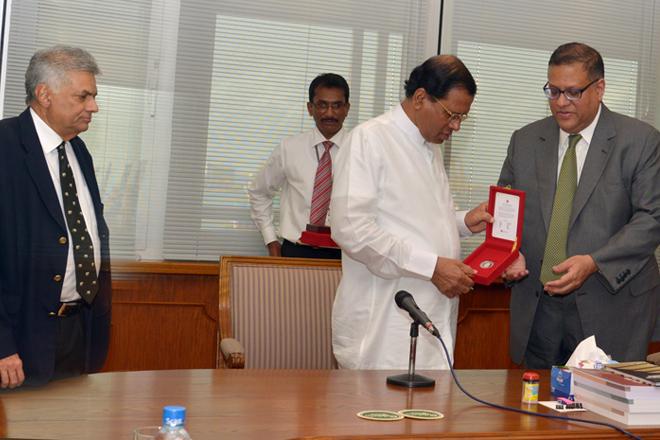 Sri Lanka's President Maithripala Sirisena visits Central Bank, Ravi visits 'Sathosa'