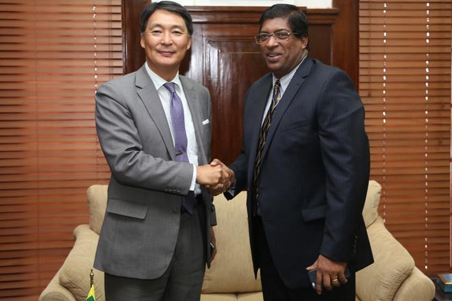 Finance Minister meets South Korean Ambassador
