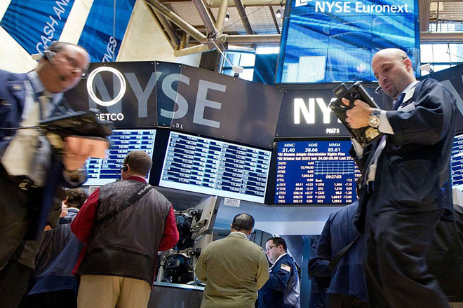 The NYSE resumes trading after technical failure; rejects reports of cyber attack