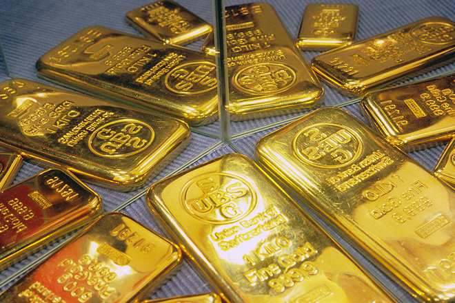 Gold prices hit seven week high with USD at near 3-week low