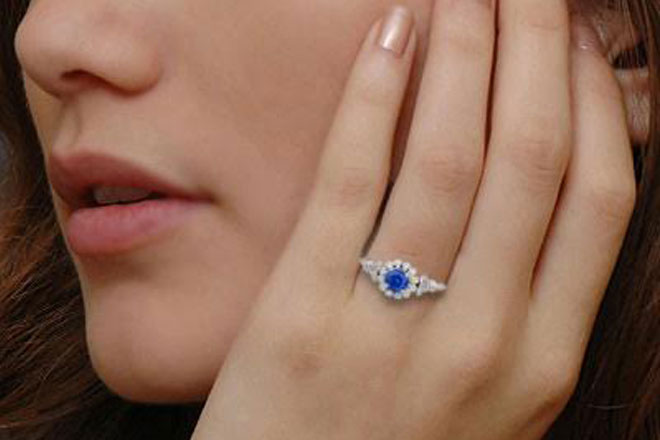 Sri Lankan exporter secures Rs53mn order for Ceylon Sapphire