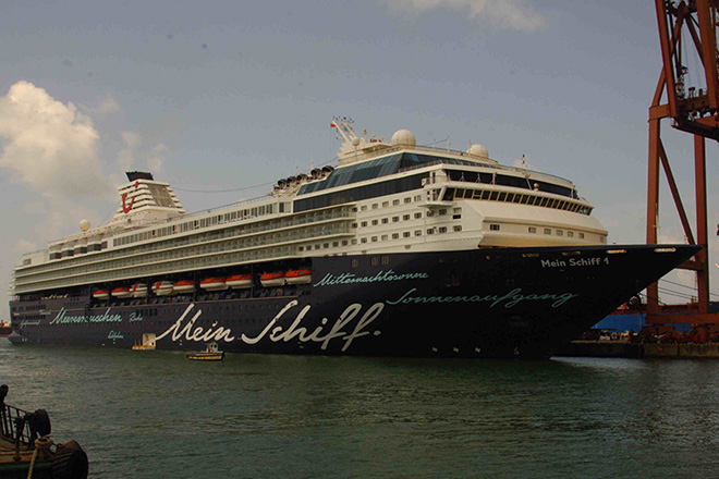 Super luxury passenger cruiser MV Mein Schiff calls Colombo