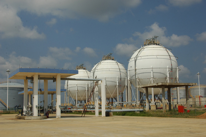 Construction of Litro Gas Filling Factory in Hambantota awarded to Dockyard General Engineering