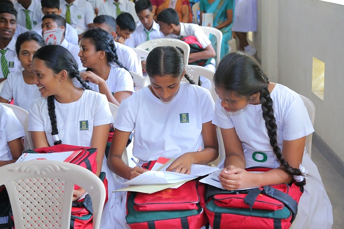 Sri Lanka to provide health insurance for school children