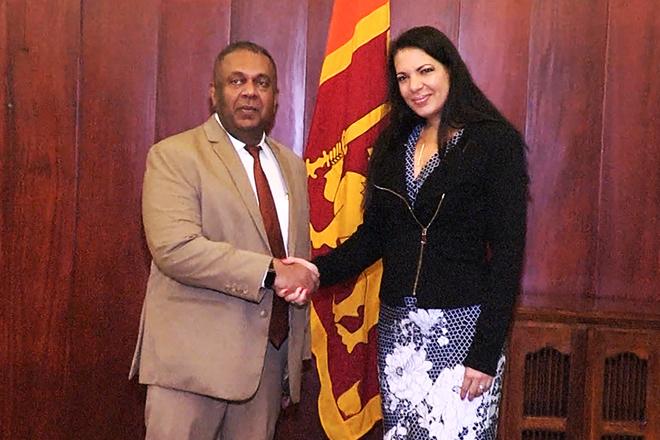 FM Samaraweera meets UN Special Rapporteur on Minority Issues
