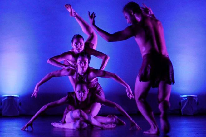 World renowned Battery Dance tours Sri Lanka