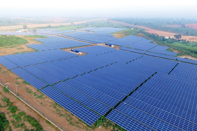 Sri Lanka's 10MW solar power plant commissioned, lead financing by DFCC