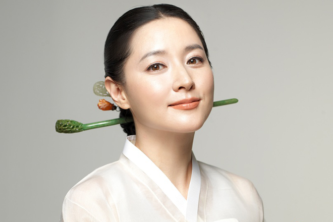 "Korean Actress Lee Young-ae ""Changumi"" supports flood relief efforts"
