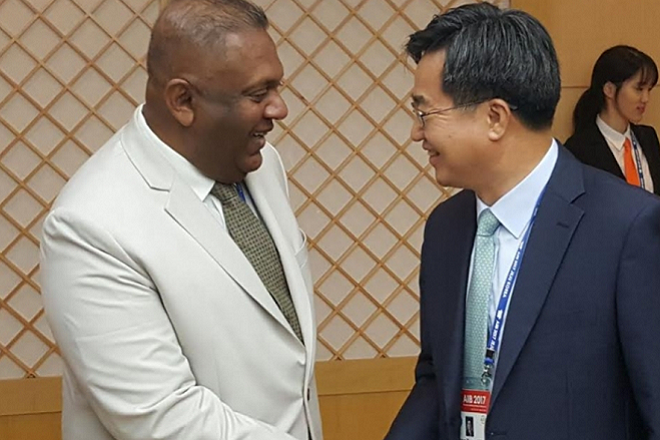 Finance Minister meets S. Korean Deputy PM at AIIB meeting