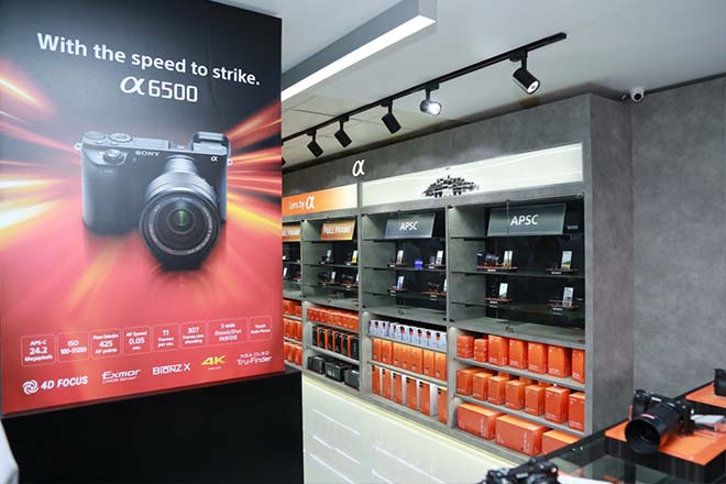 New Sony digital imaging showroom opens in Sri Lanka