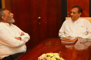 Mahinda Deshapriya meets Speaker of Parliament Karu Jayasuriya