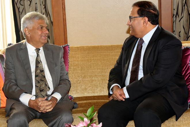 Sri Lanka Prime Minister visits Singapore to lure investors