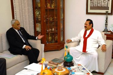 Pakistan High Commissioner meets Opposition Leader Mahinda Rajapaksa