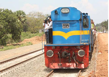 Sri Lanka northern railways re-built by India's IRCON - LankaBusinessOnline.com