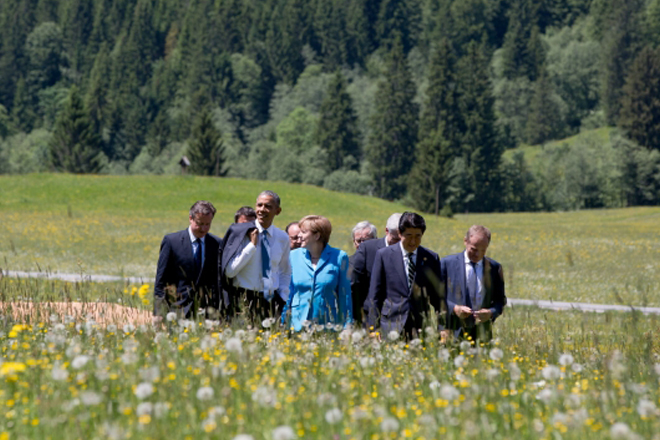 G7 agrees to impose more sanctions against Russia, a country in deep recession: Obama