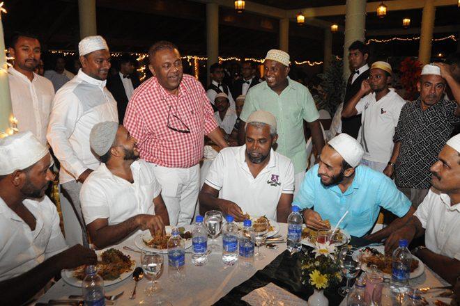 Foreign Minister Mangala Samaraweera hosts Ifthar
