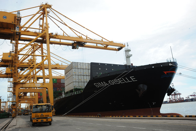 Colombo Port transshipments up by 19.8-pct in 1H; targets 7mn TEUs for 2018