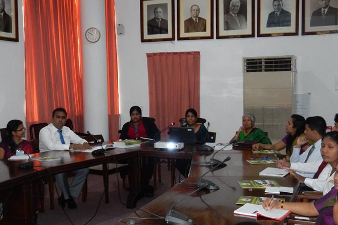 Future diplomats visit 'Colombo Tea Auction'