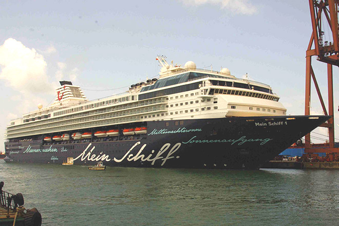 11 super luxury vessels called at Colombo Port last month