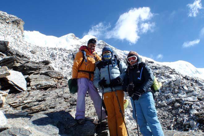 Sri Lanka's successful mountaineers return, lack of O2 prevented Johann's climb