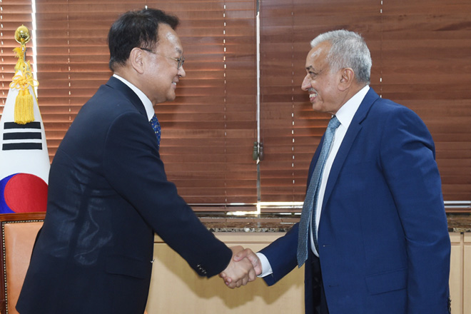 Sri Lanka eyes FTA and increased funding from South Korea