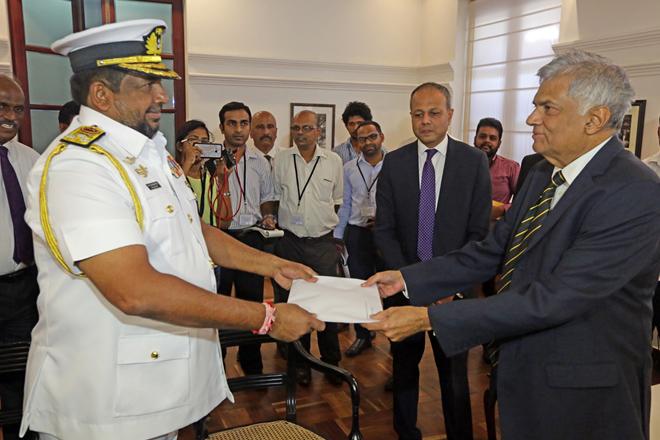 Prime Minister thanks Navy Commander for rescuing ships
