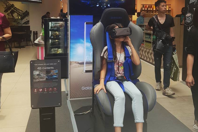 Experience latest Samsung Galaxy Note 8 with VR at Odel