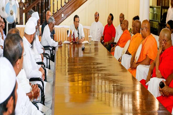 President visits Kandy, Stresses on communicating precise information