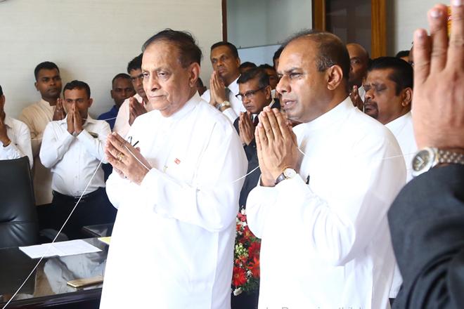 Deputy Speaker Ananda Kumarasiri assumes duties