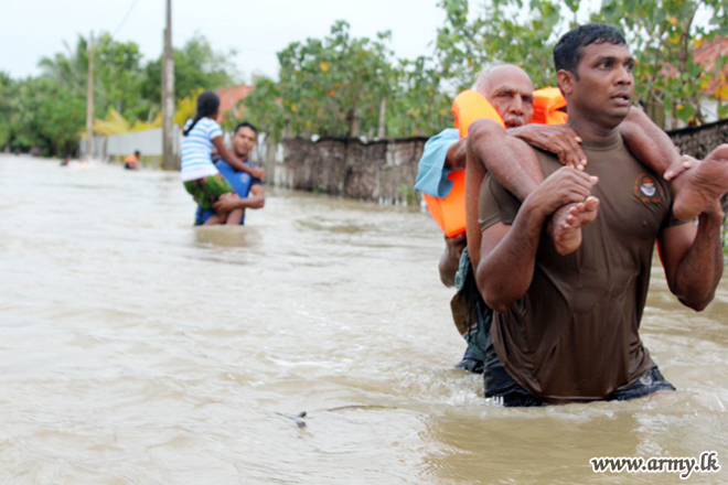 Sri Lanka Army leads flood relief work in the North