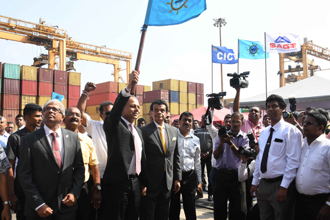 Colombo Port handles record breaking 7-millionth container for 2018