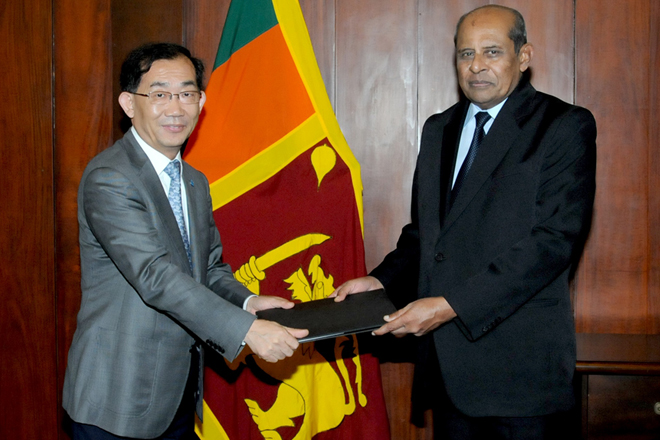 Xuebing Sun assumes duties as new FAO Representative for Sri Lanka