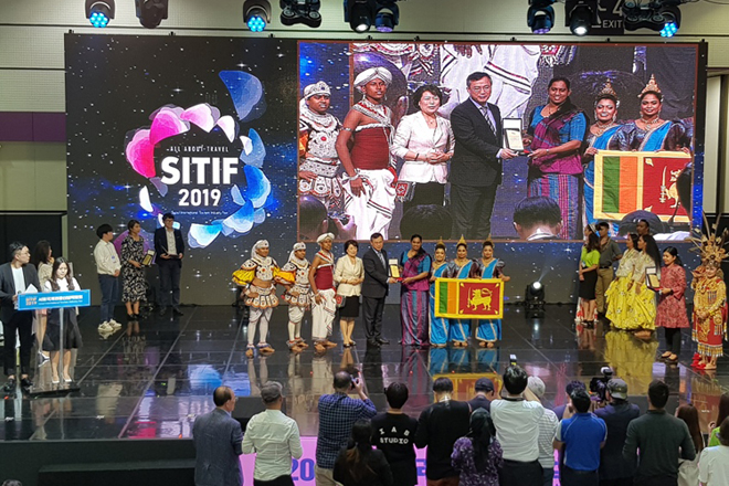 "Sri Lanka wins ""Best Folklore Performance Award"" at Seoul tourism fair"
