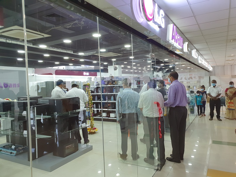 Abans opens its first Elite Showroom in the Northern Province