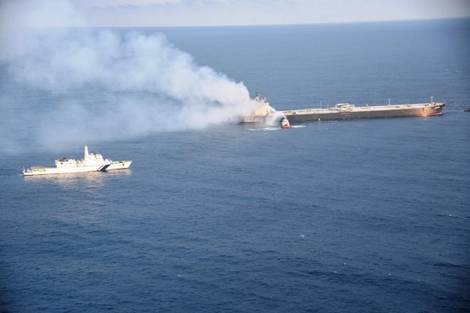 MT New Diamond towed 35 NM away from Sri Lanka coast to safe waters; no oil slick