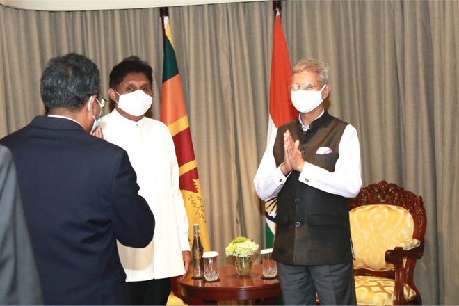 Indian External Affairs Minister meets with Opposition Leader