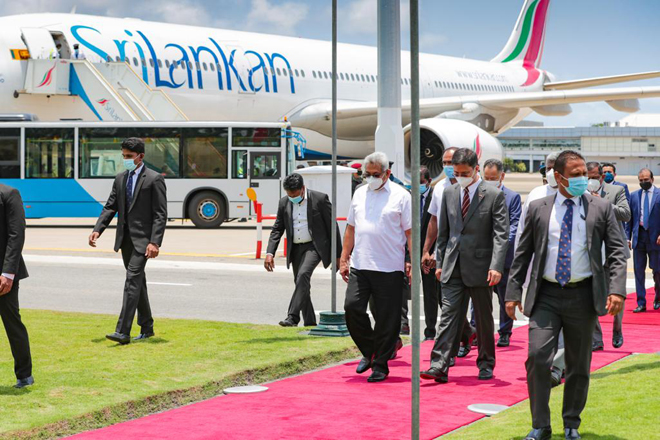 SriLankan Airlines transports first batch of Sinopharm vaccines; President receives stock