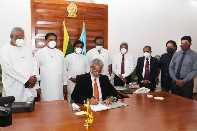 Captain Nihal Keppetipola assumes duties as new Chairman of Sri Lanka Ports Authority